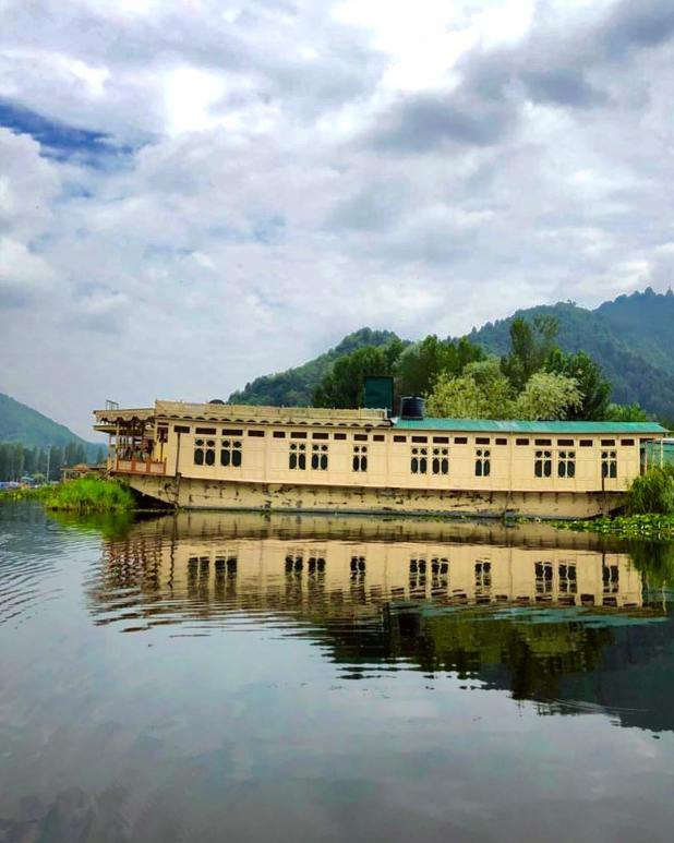 Boathouse in Jammu and Kashmir