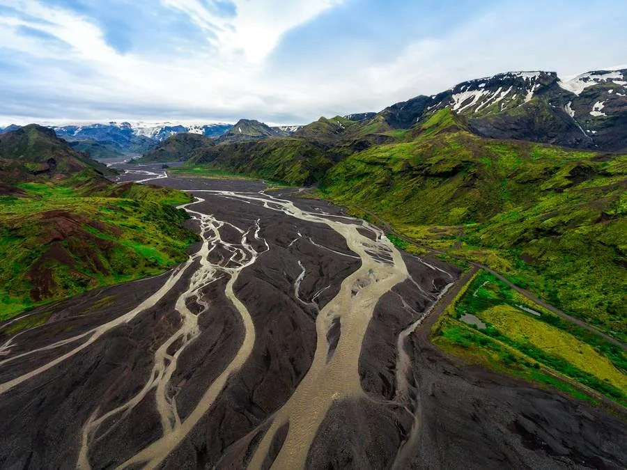 Fimmvorduhals mountain pass trail Iceland
