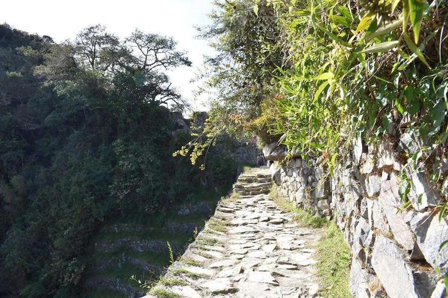 Trail leading to the Sun Gate