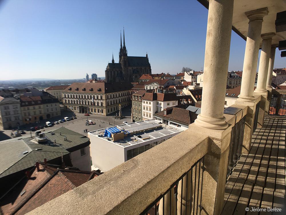 Vue depuis la tour du vieil hôtel de ville de Brno