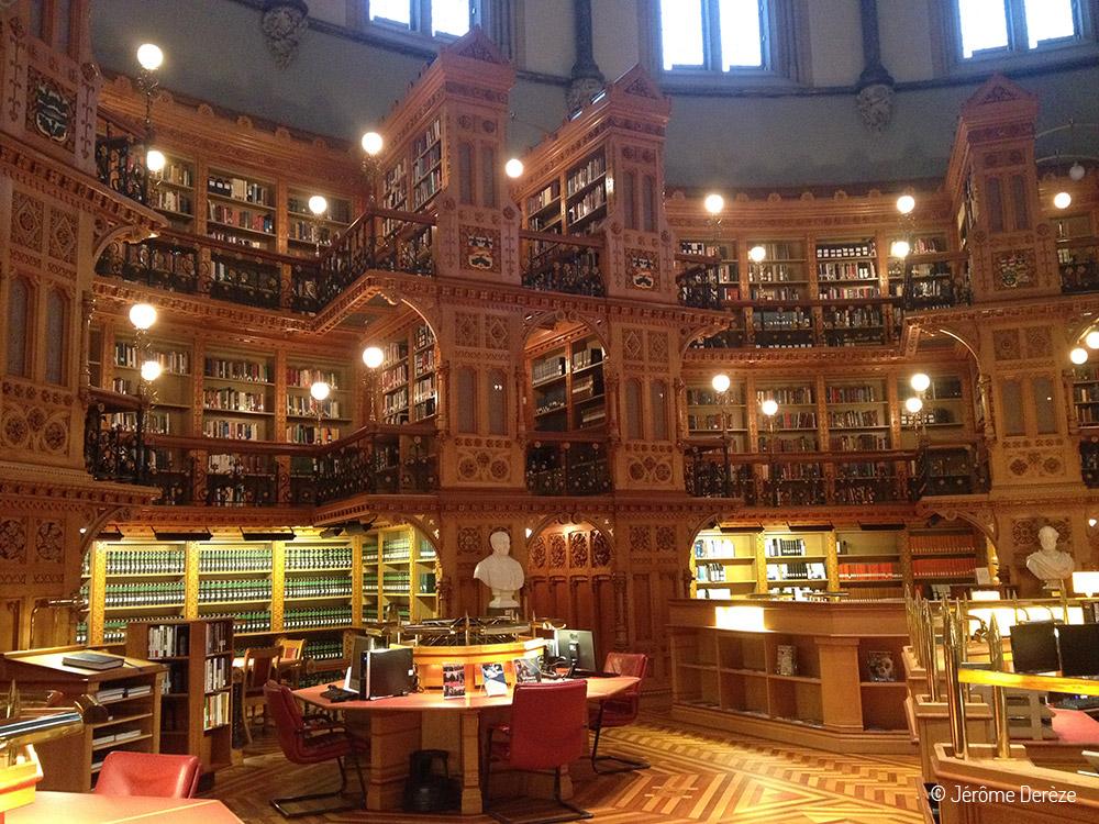 Visiter Ottawa - La bibliothèque du parlement d'Ottawa