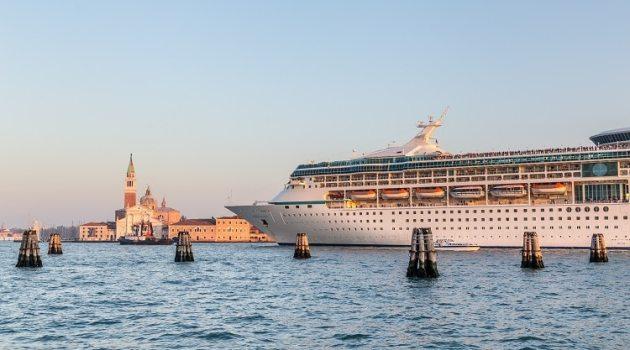 Italië gaat cruiseschepen uit centrum Venetië weren