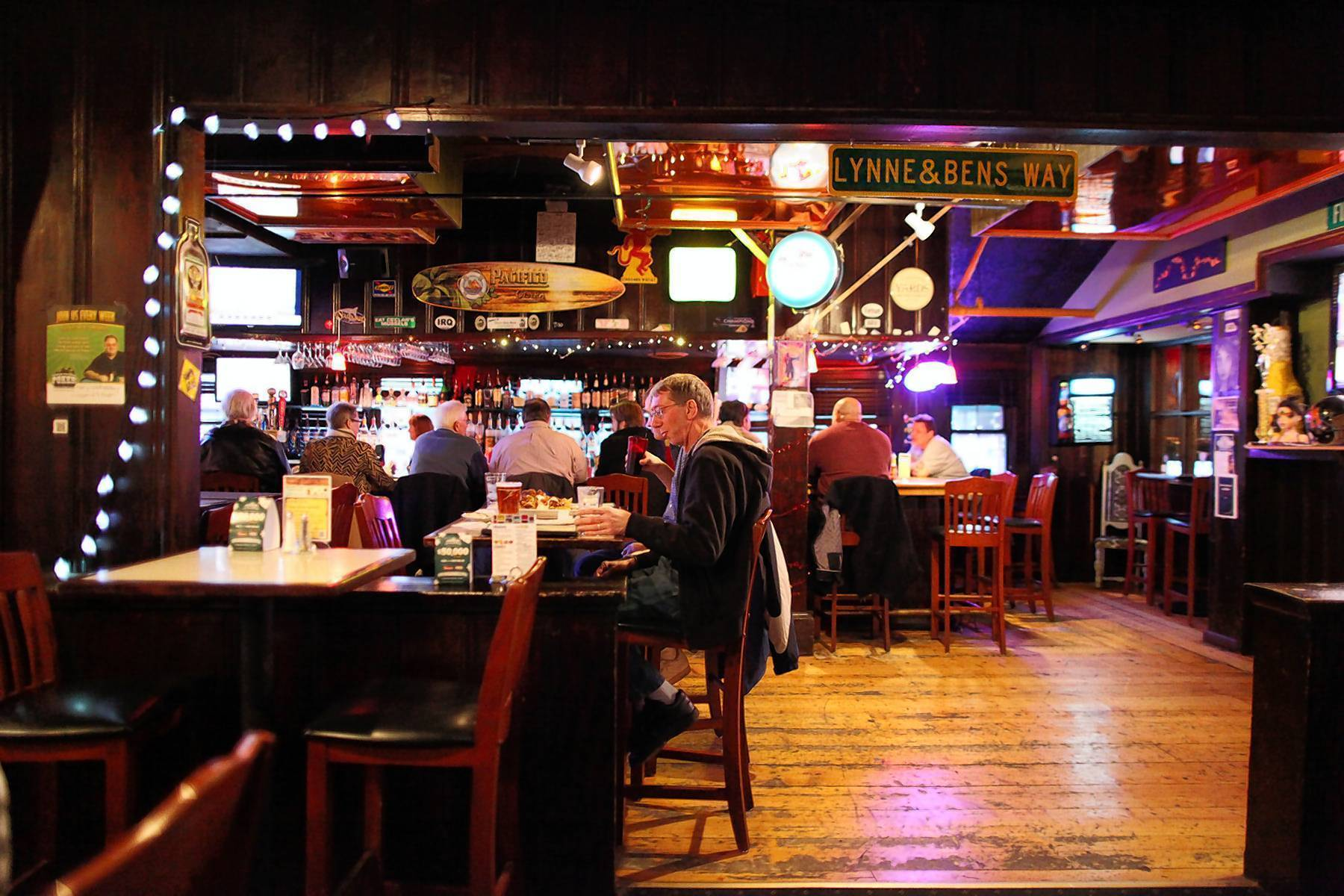 Columbia Saloon A Finalist For Best Bar In State