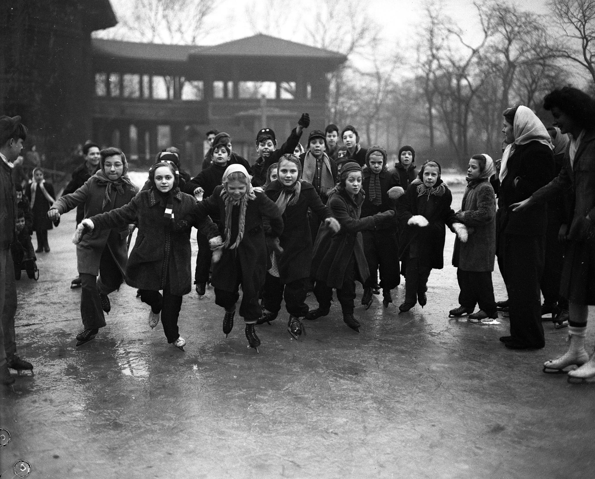 Vintage Ice Skating Chicago Tribune