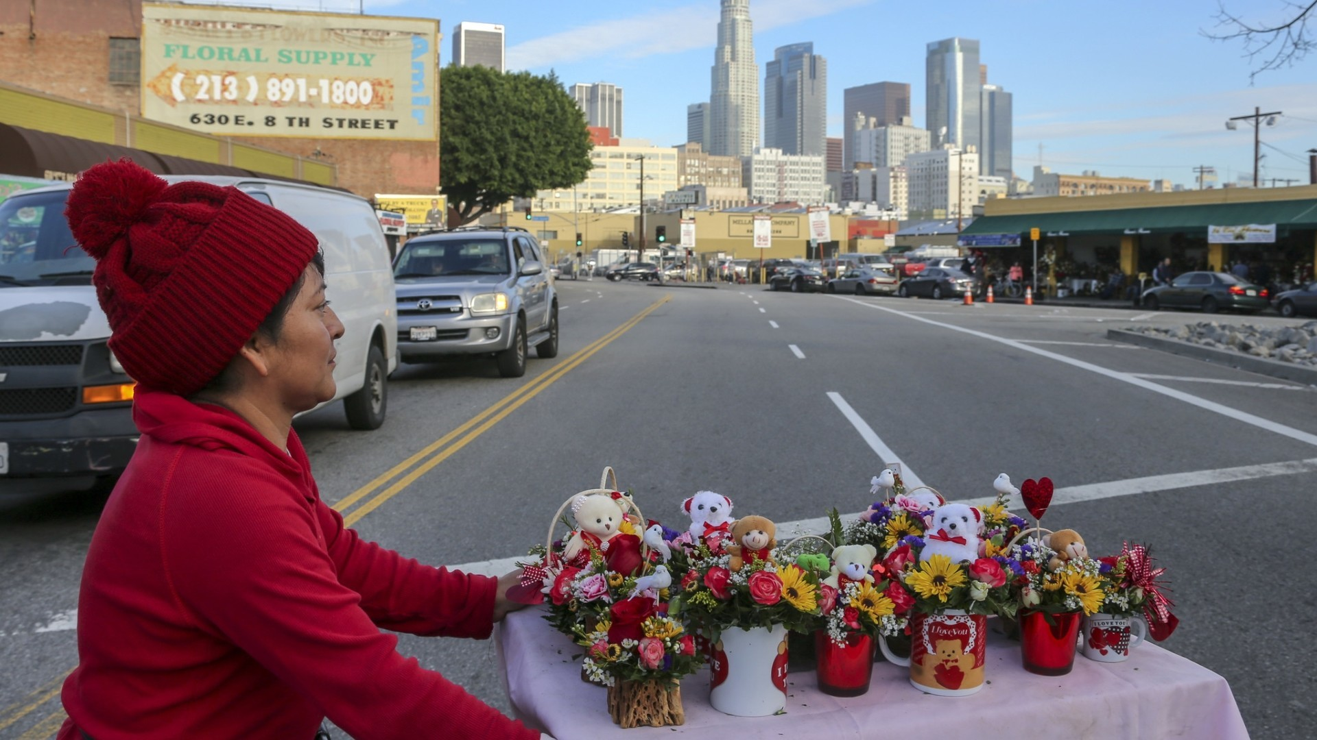 Flower District Ramps Up For Valentines Day LA Times