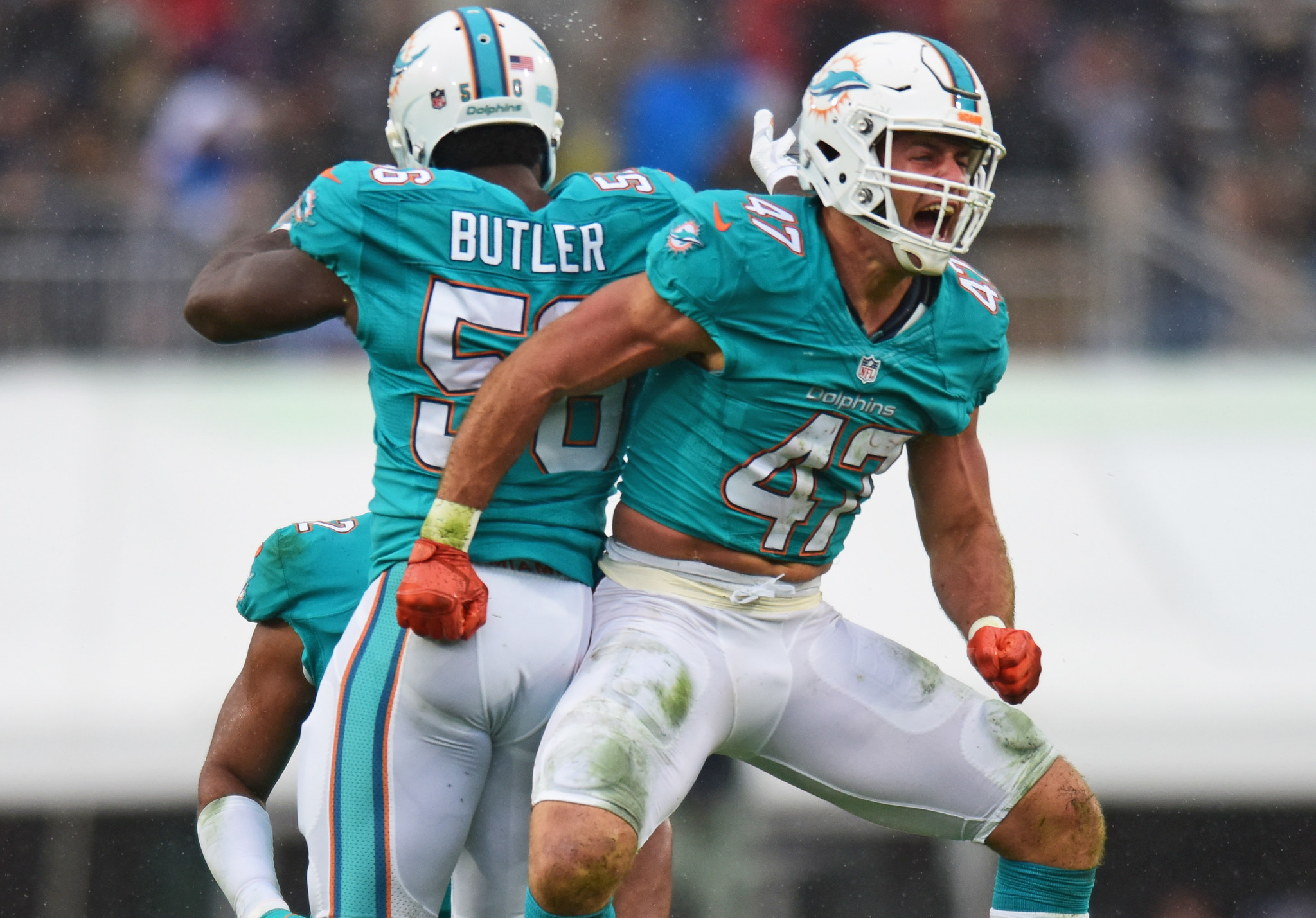 Dolphins Give Restricted Free Agent Kiko Alonso First