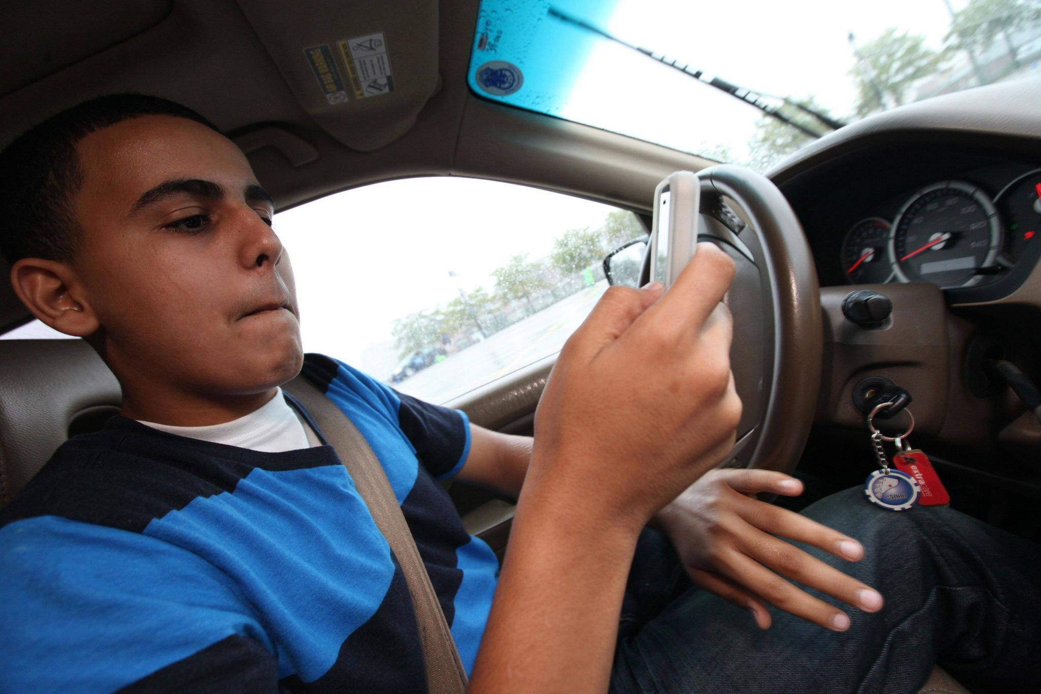How Best To Insure Your Teen Driver And Keep Costs Low Safety High Chicago Tribune