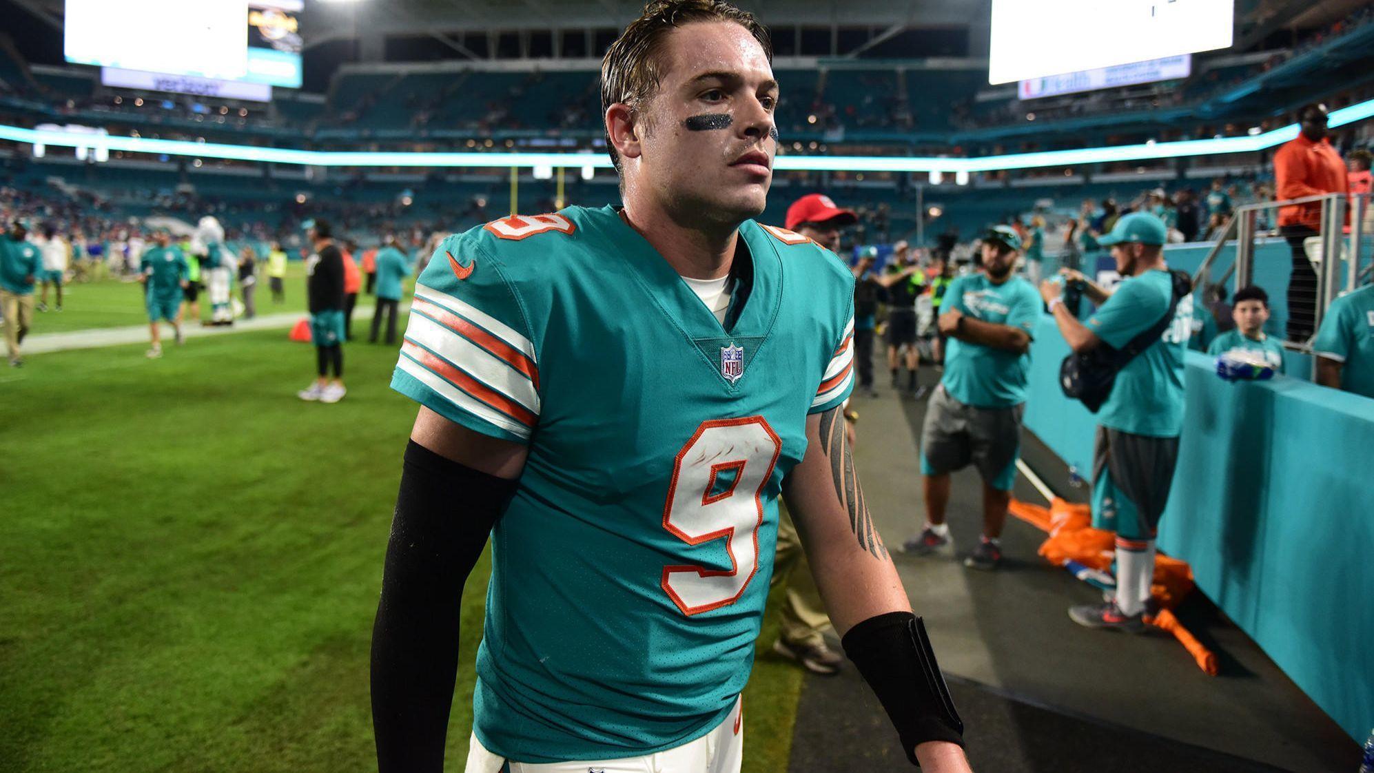 Miami Dolphins Re Sign Quarterback David Fales Sun Sentinel