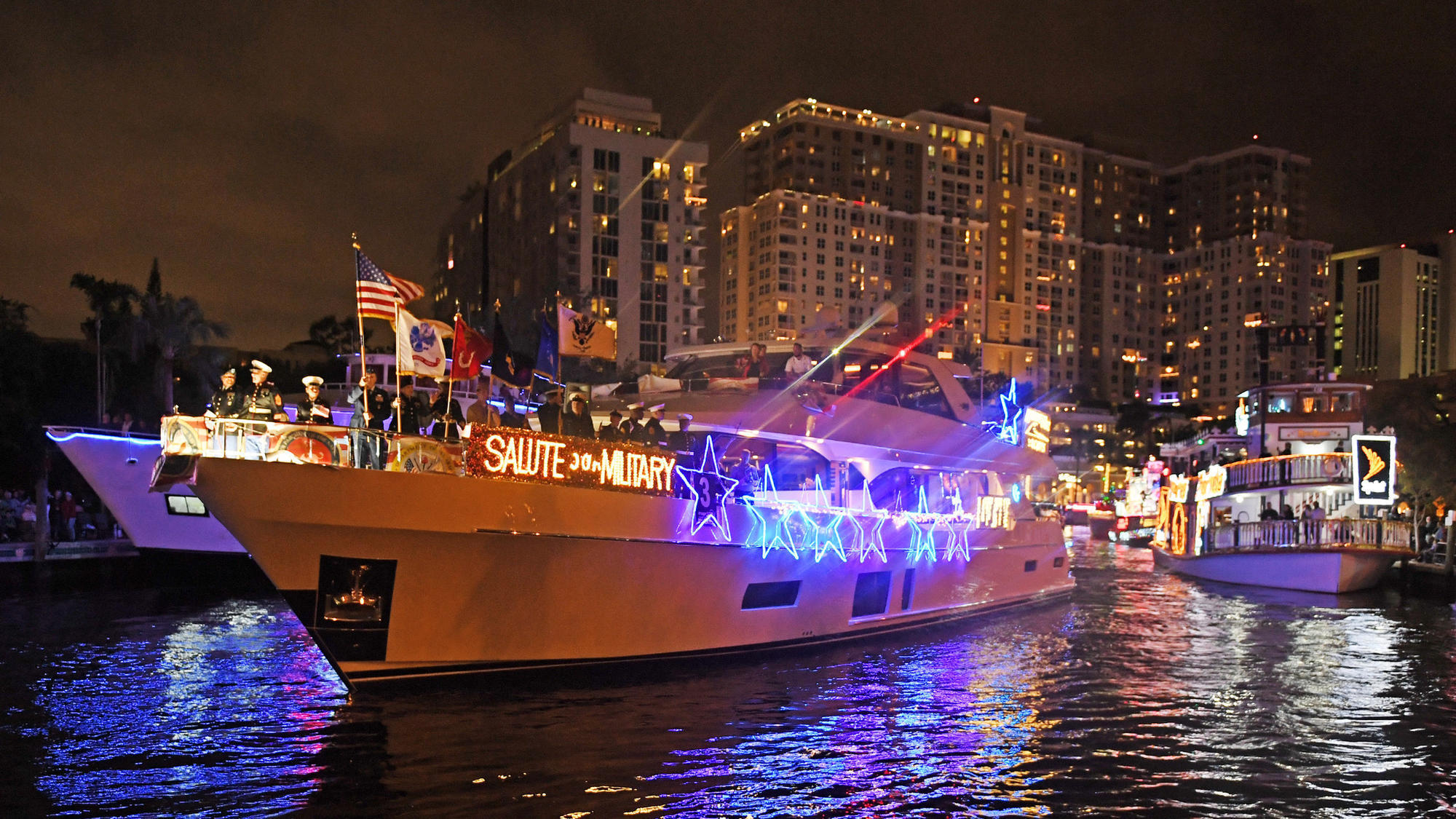 Deck The Hulls Winterfest Boat Parade Sails Through Fort Lauderdale This Weekend Sun Sentinel