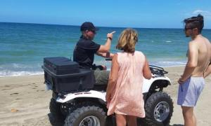 MCSO clears the beaches and warns Beachgoers of Danger from Algae Bloom