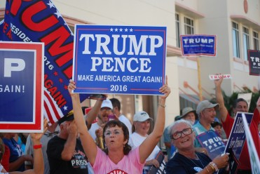 Protestors at Hillary Rally in Ft Pierce Sept 30 2016