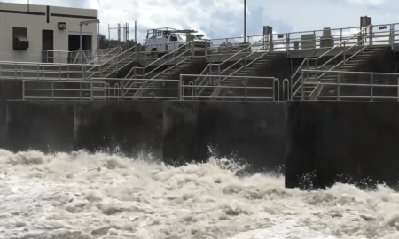 Video St Lucie Locks gross disgusting water. Where are the leaders?