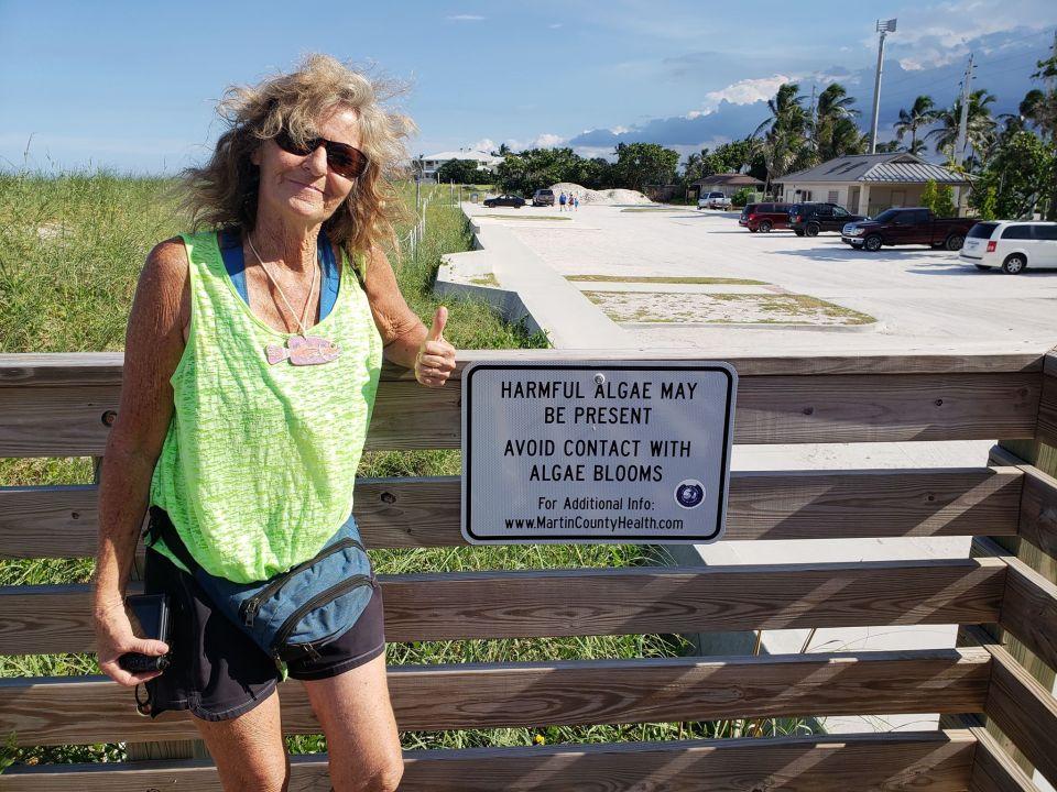 photo: Troy Brown Blue green algae closes Bathtub Beach