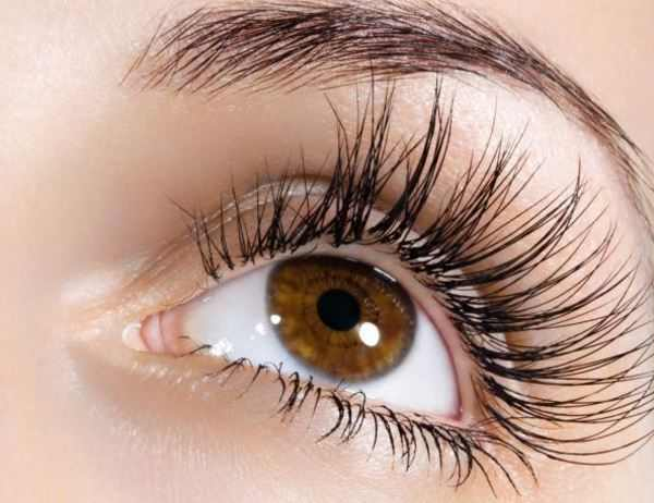 Vaseline for eyebrows - does vaseline help eyelashes grow thicker and long