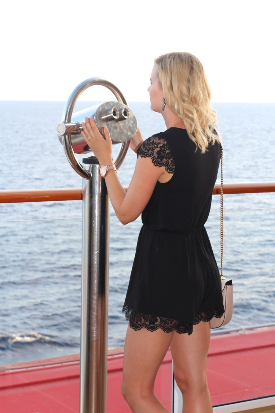 cruise-dinner-outfit
