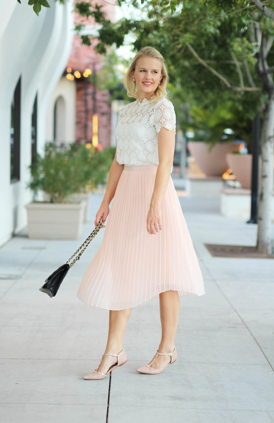 Pink Pleated Skirt Treats And Trends