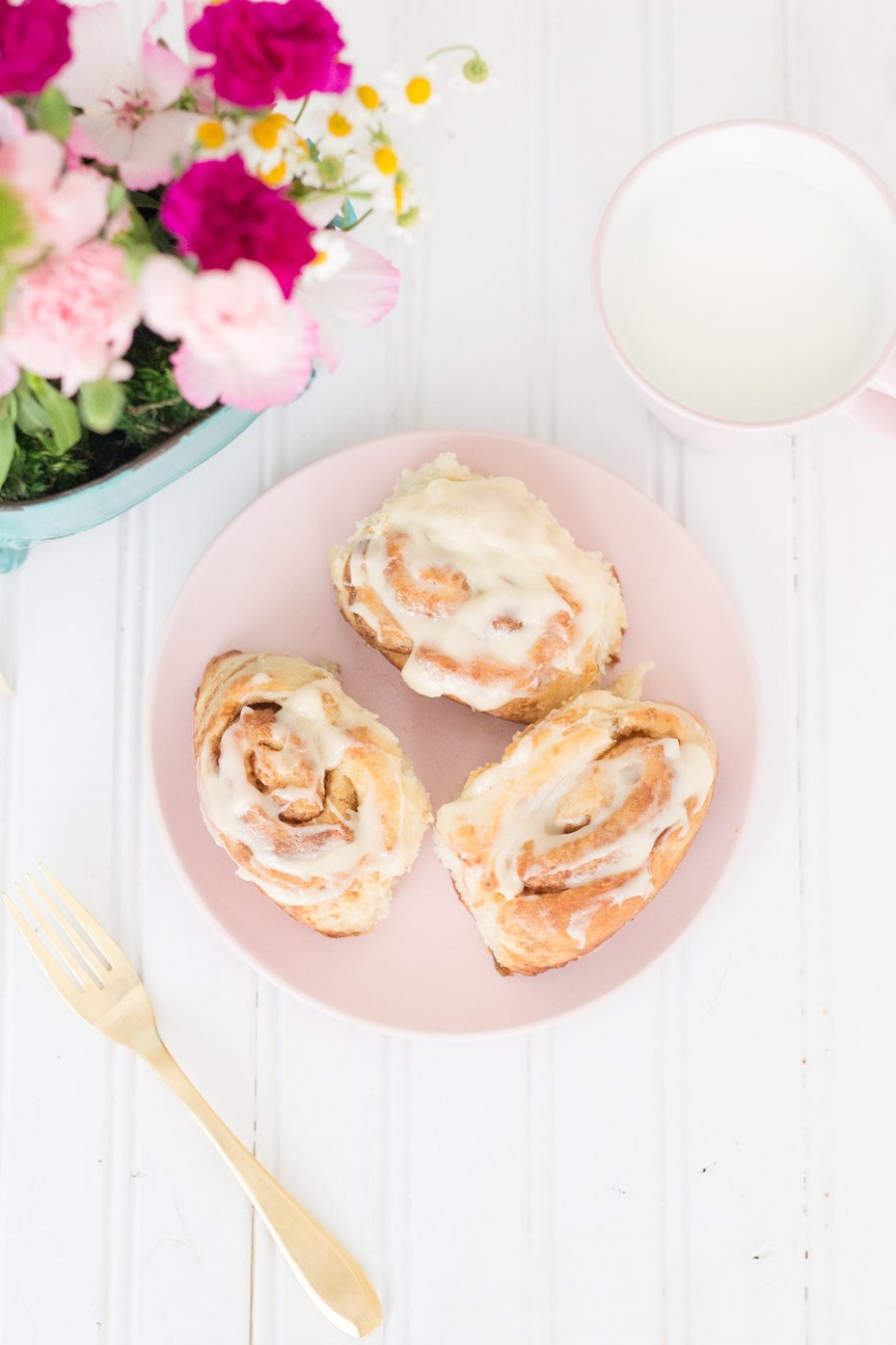 Easy Homemade Cinnamon Rolls with Cream Cheese Frosting
