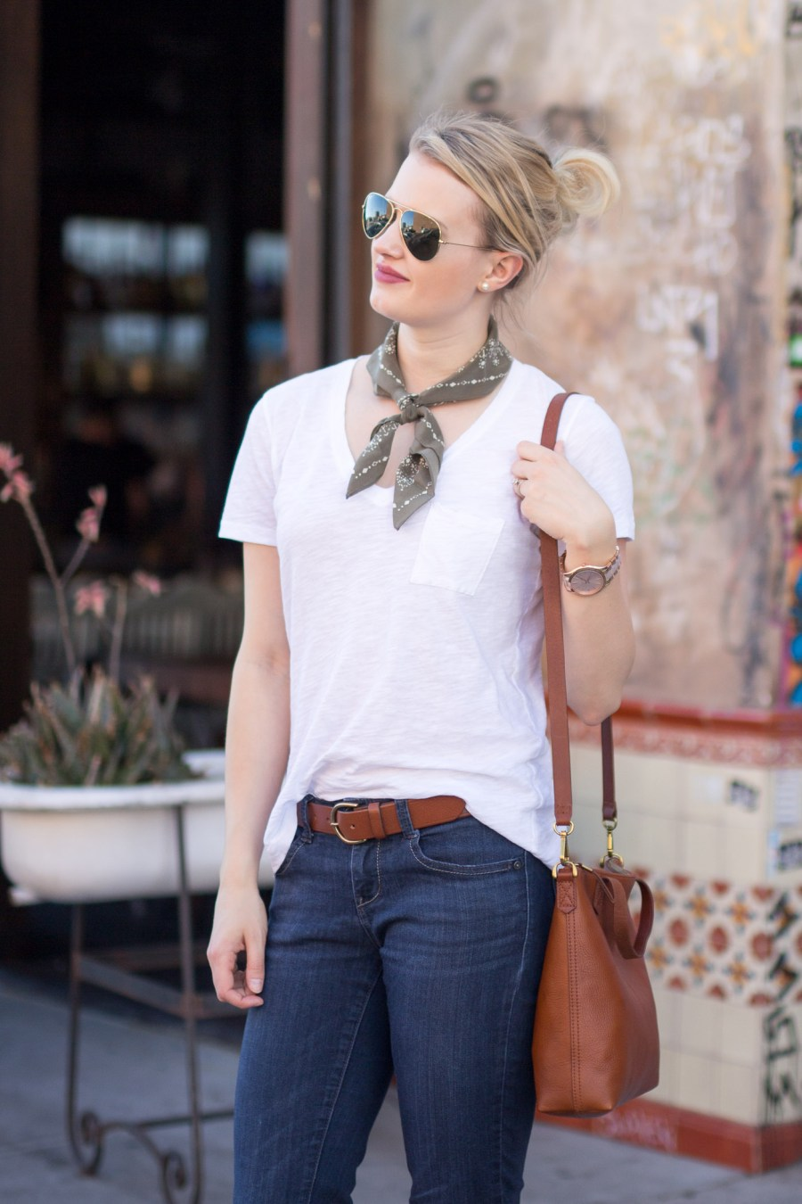 The Perfect Accessories for a White T-shirt, fashion blog, Treats and Trends, outfit idea, Madewell