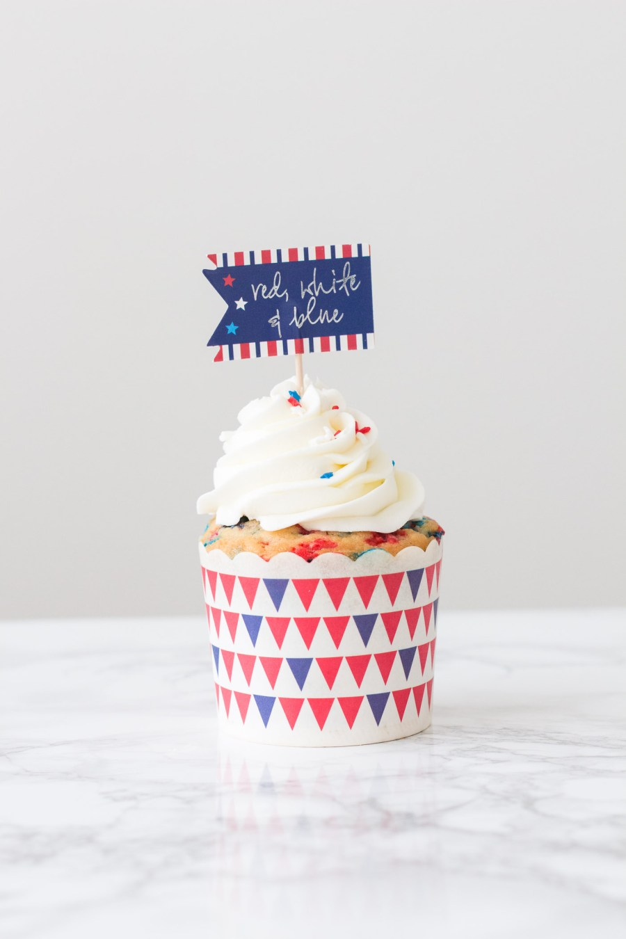 Red, White & Blue Funfetti Cupcakes, 4th of July dessert, patriotic dessert, baking blog, Treats and Trends