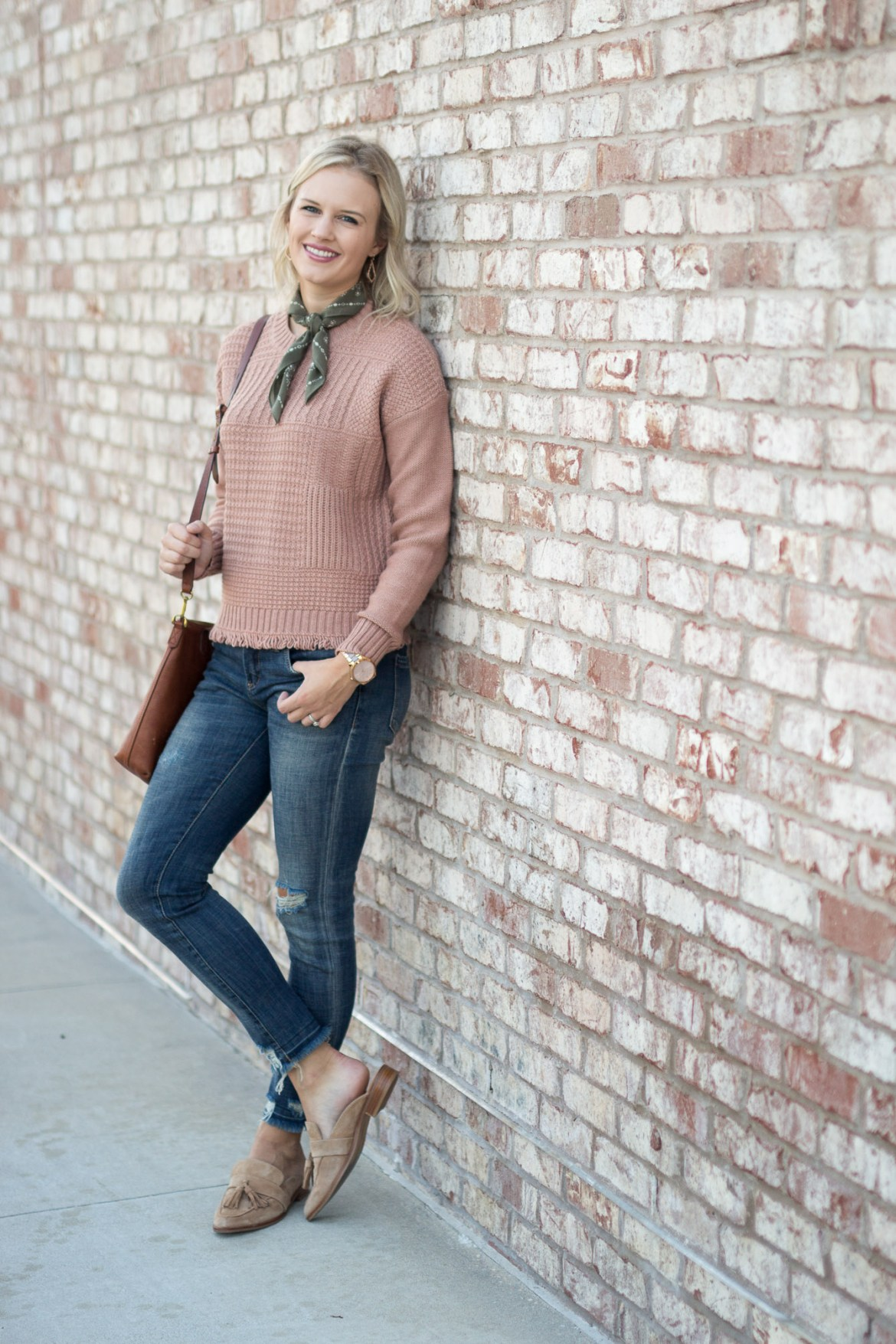 26c4ee63daf06 Casual Thanksgiving Outfit Idea with pink Madewell sweater