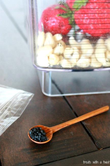 Strawberry Cashew Smoothie 2