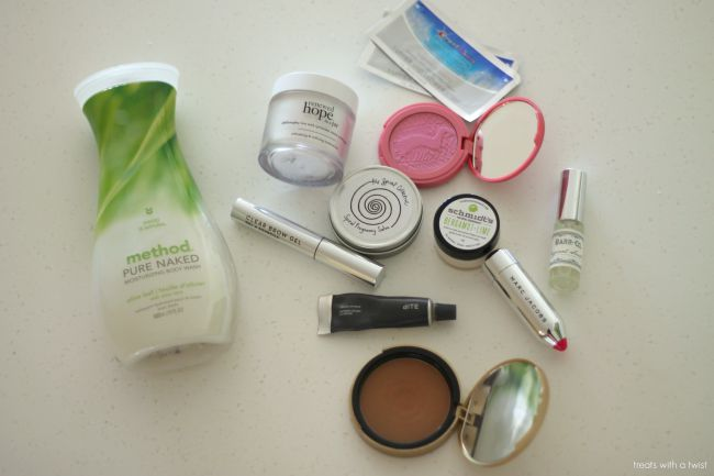Summer Beauty Favorites // treatswithatwist.com
