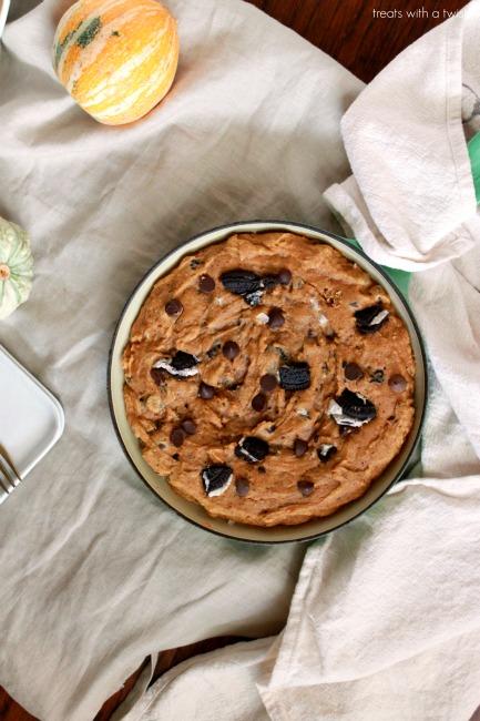 Pumpkin Chocolate Chip Skillet Cookie // treatswithatwist.com
