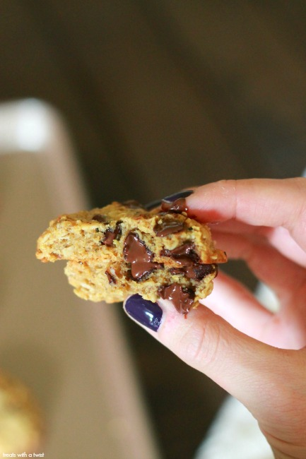 Mommy's 3am Cookies// gluten free // treatswithatwist.com