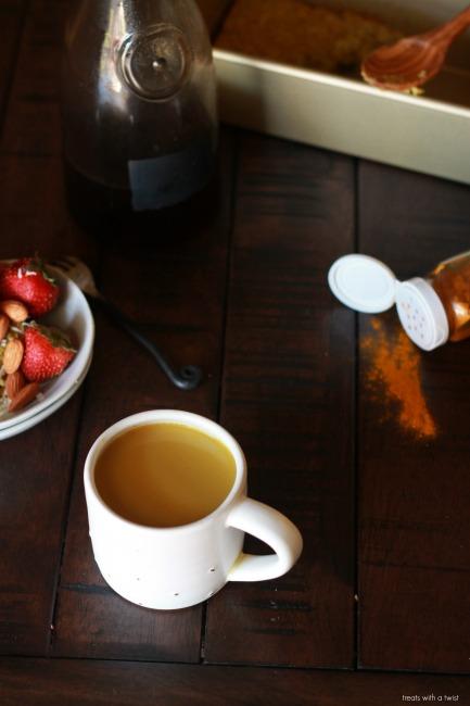 Golden Tumeric Milk Coffee // dairy free, gluten free// treatswithatwist.com