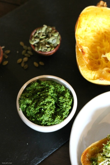 Pumpkin Seed and Kale Pesto // treatswithatwist.com