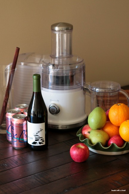 Simple Fall Sangria // treatswithatwist.com