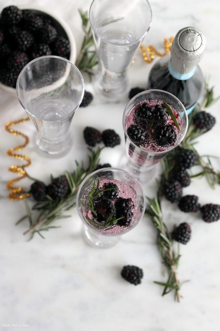 Blackberry Rosemary Sparkling Cocktail // treatswithatwist.com