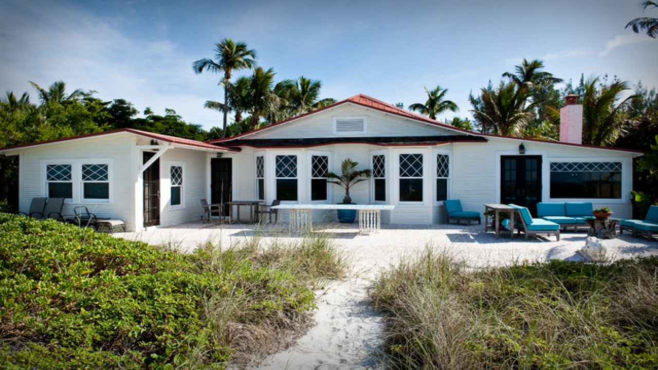 Cottage Style Homes Exteriors Tropical Beach Cottage