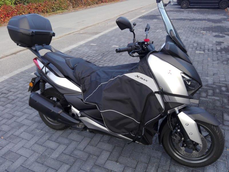 Yamaha X-Max 300 mit Sonderzubehör