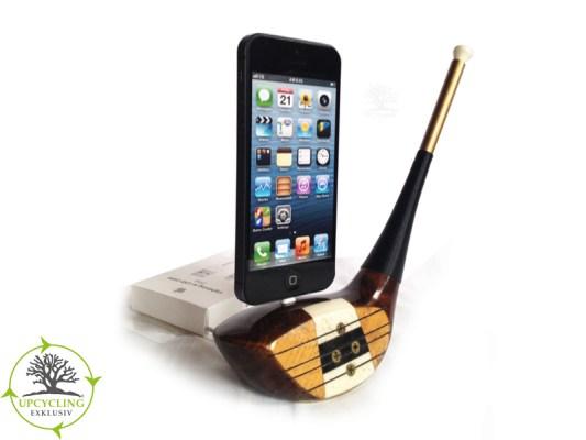 Golfschläger-Dockingstation für iPhone