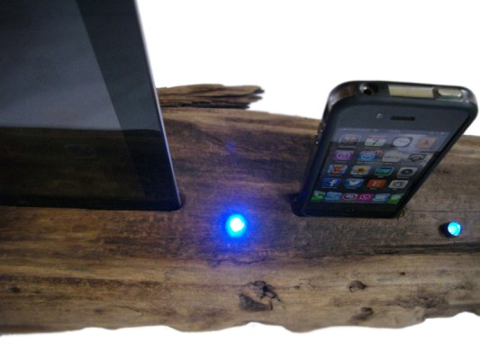 dockingstation-smartphone-led-driftwoods