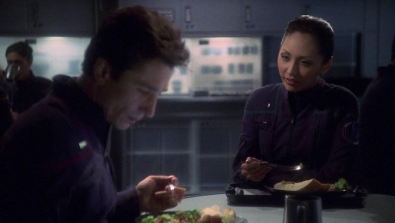 Reed e Hoshi almoçando