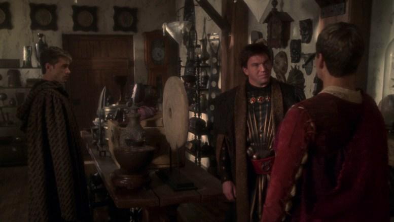 Archer e Tucker no Antiquário de Garos em Civilization