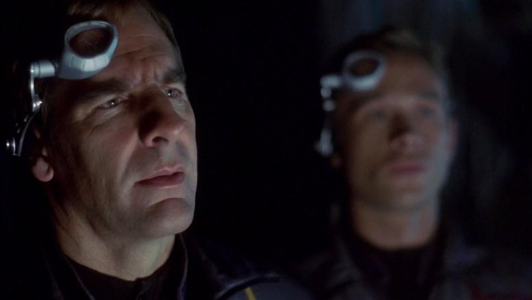 Archer e Tucker em Rogue Planet
