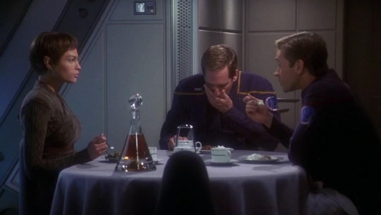 T'Pol, Archer e Tucker jantando
