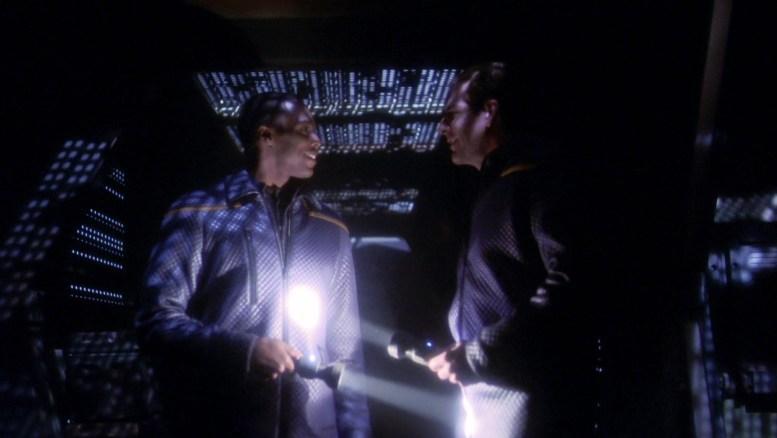 Mayweather e Archer na nave Kantare