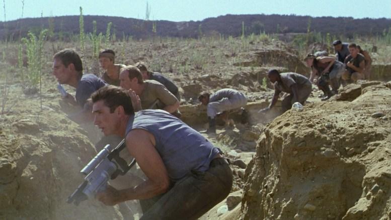 Tripulação da Enterprise e mineradores em emboscada para Klingons