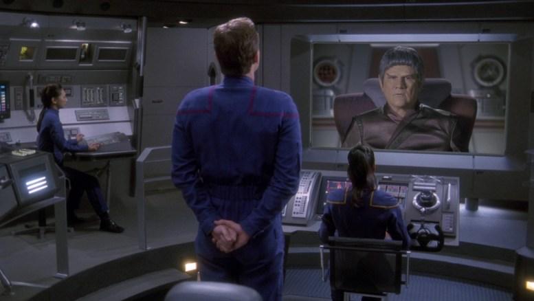 Tucker no comando da Enterprise fingindo ser o capitão