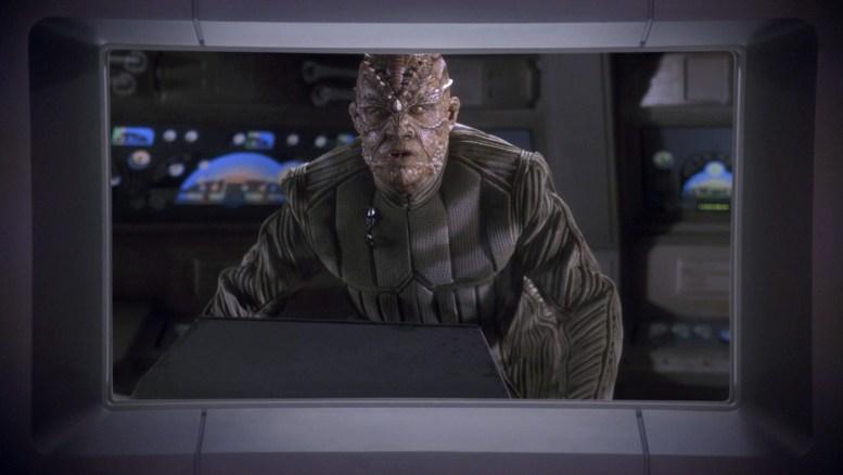 Arkoniano em contato com a Enterprise