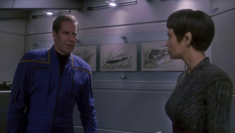 Archer e T'Pol conversando sobre interferência em outros planetas