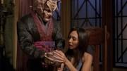 Tarquin mostrando o cristal para Hoshi