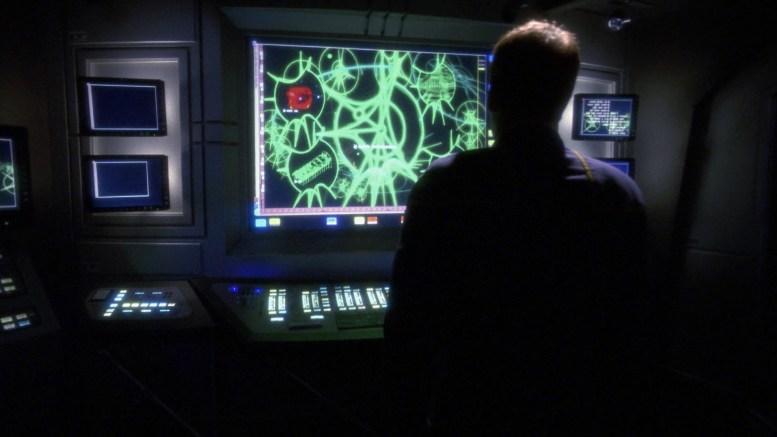 Archer observa dados obtidos de nave xindi