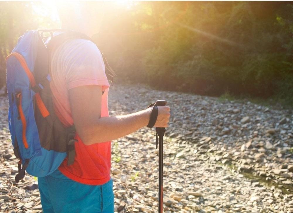 Bien régler un bâton de randonnée
