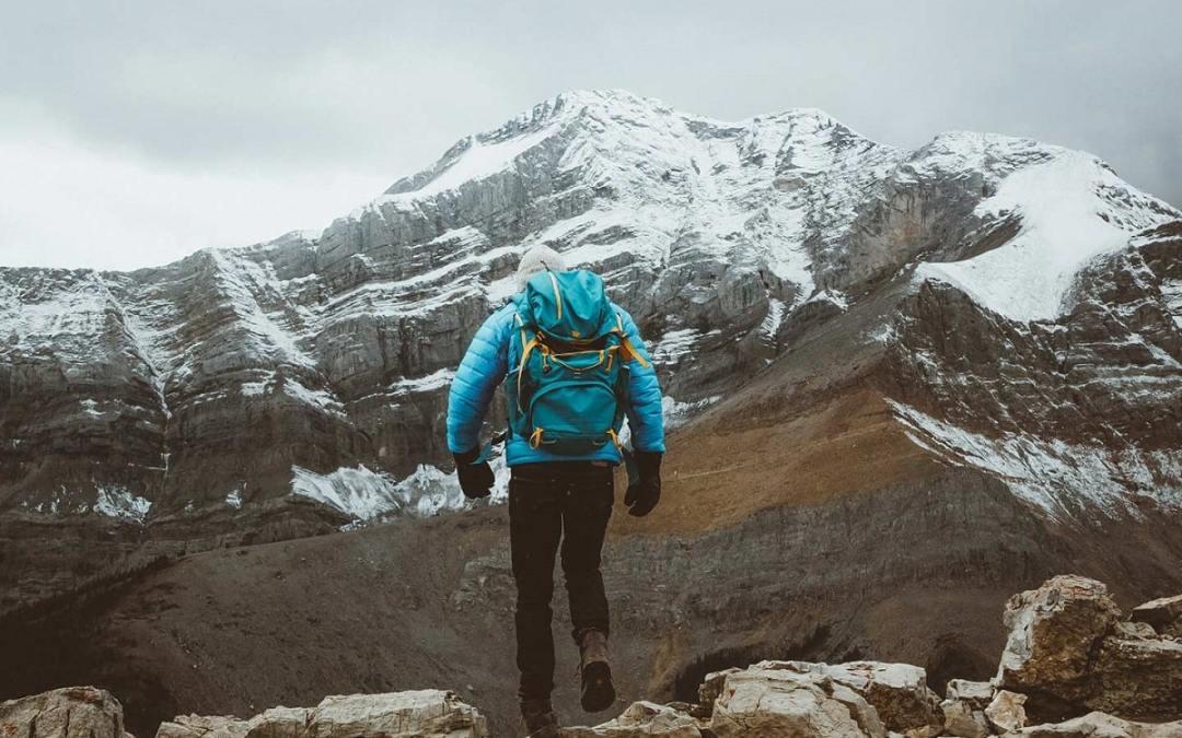Comment choisir une veste de randonnée imperméable