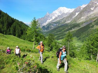 Val ferret vers refuge Bonatti-min